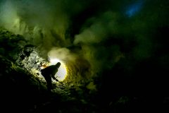 One of the sulfur miners at work