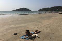 Miri found a beach friend