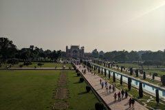Park in front of Taj Mahal