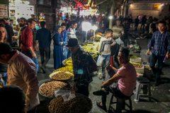Busy bazaar in Tehran